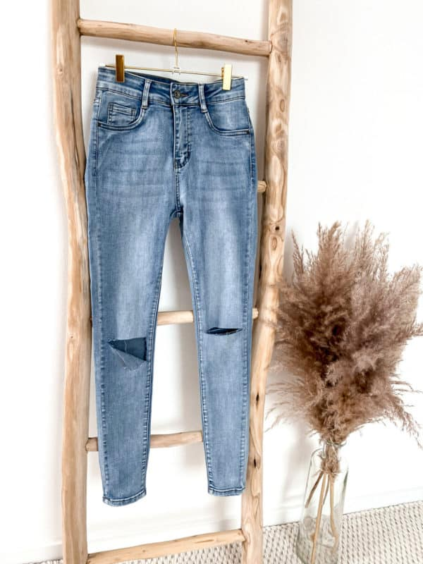 Skinny Jeans mit Cuts an den Knien - Vazzola Fashion Onlineshop