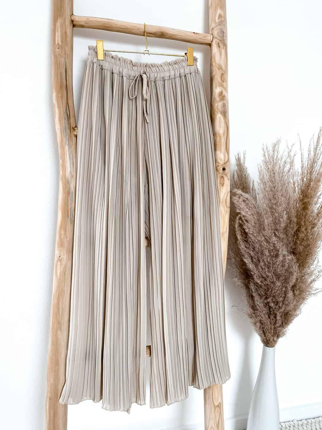 Luftige Culotte, plissiert, oberer Teil doppellagig